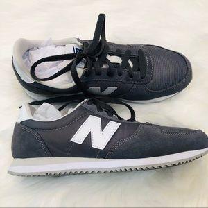NWOB New Balance Men's 220's Gray & White 6.5